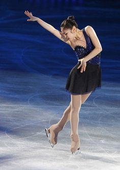 Kim Yuna of South Korea performs during the KCC Switzen All That Skate Spring 2011 figure skating gala show at Jamsil indoor stadium in Seoul May 6, 2011.