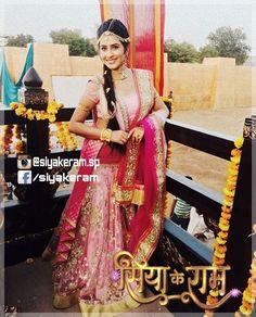#shrutkirti #siyakeram #swayamvar #saptah Siya Ke Ram, Indian Wedding Couple Photography, Hindu Culture, Star Actress, Fashion Couple, Celebs, Celebrities, Wedding Couples, Bollywood