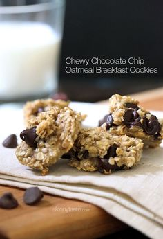 Chewy Chocolate Chip Oatmeal Breakfast Cookie - 3 ingredients - ripe bananas, quick oats & choc chips!