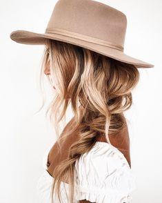 Scarf Hairstyles, Curled Hairstyles, Summer Hairstyles, Pretty Hairstyles, Hairstyles With Hats, Boho Hairstyles For Long Hair, Long Hair Dos, Color Fantasia, Belle Photo