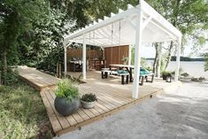 Outdoor Dining, Outdoor Spaces, Outdoor Decor, Pergola Patio, Backyard, Cottage Lounge, Decks And Porches, Pergola Designs, Outdoor Projects