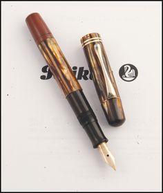 Pelikan 101N vintage. Nice Pen  Photo by Álvaro Romillo