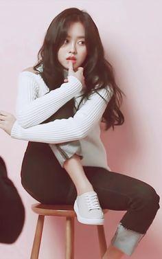 Kim so hyun Asian Actors, Korean Actresses, Cute Asian Girls, Cute Girls, Kim So Hyun Fashion, Hyun Ji, Kim Sohyun, Paris Outfits, Korean People