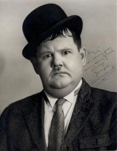 "Oliver Norvell ""Babe"" Hardy was an American comic actor famous as one half of… Laurel And Hardy, Stan Laurel Oliver Hardy, Hollywood Stars, Classic Hollywood, Old Hollywood, North Hollywood, Hollywood California, Great Comedies, Classic Comedies"