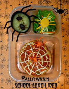 Keeley McGuire: Lunch Made Easy: Spider Web Pizza & Halloween School Fun Boite A Lunch, Bento Recipes, Whats For Lunch, Lunch Snacks, Kid Snacks, Healthy Halloween, School Fun, School Lunches, Box Lunches