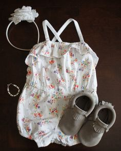 Baby girl summer outfit with @Pearls with Purpose bracelet and @Freshly Picked moccasins. #babygirloutfits