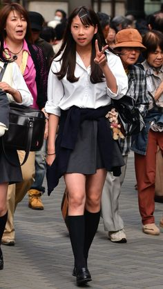 School Uniform Outfits, School Girl Outfit, Girl Outfits, School Girl Japan, High School Girls, Cute Girl Poses, Cute Girls, Japanese School Uniform, Cute Japanese Girl
