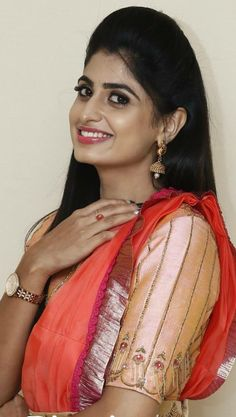 Desi Girl Image, Girls Image, Life Is Beautiful, Beautiful Women, Dress Suits, Dresses, Beautiful Bollywood Actress, Manish, Indian Beauty Saree