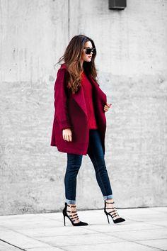 С чем носить женское красное пальто: 20 стильных образов