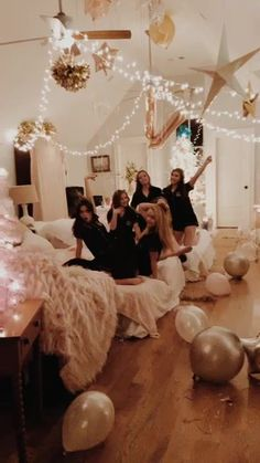 sleepover goals Slumber Party Ideas That Kids Will Love Video not supported for your browser Photos Bff, Best Friend Pictures, Bff Pictures, Friend Pics, Squad Pictures, Soirée Pyjama Party, Fun Sleepover Ideas, Girls Sleepover Party, Bachelorette Slumber Parties