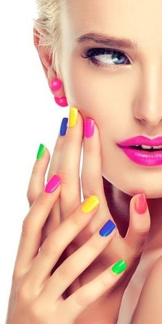 Hi guys don miss out this opportunity of getting a discount Farry Fashion offers Oriflame Beauty Products, Oriflame Cosmetics, Nail Polish Pens, Gel Nails, Nail Art Hacks, Go Feminin, Christmas Nail Polish, Beauty Shoot, Beautiful Lips