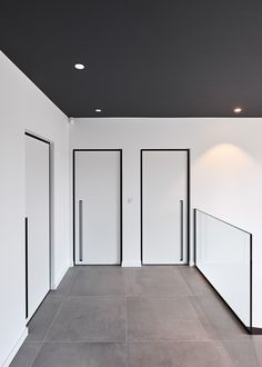 Stylish modern and also contemporary strong timber entry doors provide your hous… - Moderne Inneneinrichtung Pivot Doors, Internal Doors, Entry Doors, White Interior Doors, White Doors, Door Design, House Design, Modern Door, Contemporary Doors