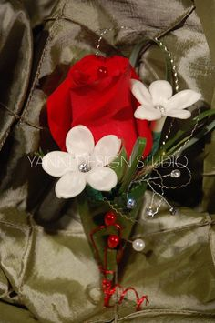 Another splendid red rose boutonniere #rose #boutonniere