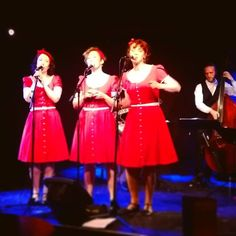 Ritz Lindy Hoppers dancing to the Ginger Sisters @Doo-Bop Club.