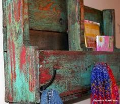 Beyond The Picket Fence: The Accidental Finish Pallet book holder shelf Pallet Painting, Pallet Art, Pallet Ideas, Faux Painting, Pallet Signs, Wood Ideas, Painting Tips, Diy Pallet Furniture, Painted Furniture