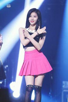 dedicated to female kpop idols. Sana Minatozaki, Myoui Mina, Twice Sana, Nayeon, Kpop Girls, Asian Beauty, Girl Group, Cheer Skirts, Skater Skirt