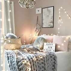 How gorgeous is the bedroom of @mz.interior  Happy new year everyone! A4 Lightbox available online ✨ . #bedroom #bedroomdecor #nordichome #nordicinspiration