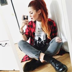 Luanna Perez with Doc Martens! Edgy Hipster, Moda Hipster, Hipster Fashion, Grunge Fashion, Punk Fashion, Doc Martens Outfit, Doc Martens Style, Estilo Grunge, Trendy Outfits
