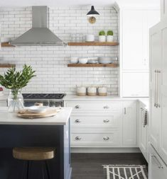 Five Types of Kitchen Open Shelving: Which One Fits Your Kitchen? Five Types of Kitchen Open Shelving: Which One Fits Your Kitchen? Floating Shelves Kitchen, Kitchen Shelves, Kitchen Layout, Kitchen Decor, Kitchens With Open Shelving, Kitchen Ideas, Floating Cabinets, Design Kitchen, Kitchen Hoods