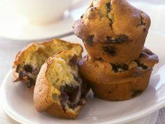 Blaubeer-Muffins mit Joghurt  eatsmarter.de #muffin #blaubeer #baking Superfood, Avocado, Cupcakes, Dessert, Eat Smarter, Breakfast, Health, Recipes, Yogurt Recipes