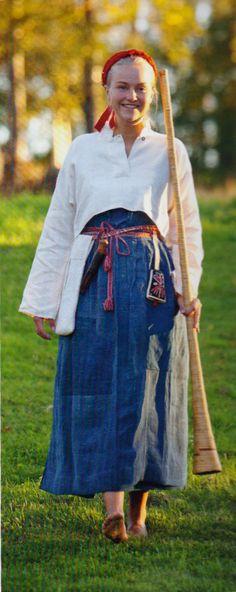 """Swedish folklore   Vallare från Järvsö, hälsingland.   Kvinnan bär en arbetsdräkt för vallare, personer som vallade djuren under sommaren.   (""""Skandianvian Folklore III"""", Laila Durán, 2013)"""