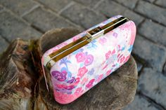 Pink floral clutch by Textile Federation  www.girlintheprettydress.blogspot.com