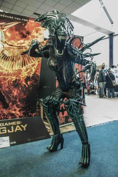 Post with 95 views. Alien Cosplay, Cosplay Armor, Epic Cosplay, Halloween Cosplay, Awesome Cosplay, Halloween 2019, Cosplay Ideas, Halloween Ideas, Halloween Costumes