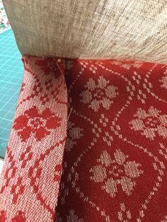 Belegg på vesten – En bunad blir til Vest, Throw Pillows, Quilts, Blanket, Norway, Toss Pillows, Cushions, Quilt Sets, Decorative Pillows
