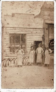 Note their white aprons History Photos, Us History, American History, Old Photos, Vintage Photos, Equestrian Supplies, Tack Shop, Mystery Of History, Old London