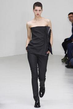Yang Li Fall 2016 Ready-to-Wear Collection - Vogue 2000s Fashion, Fashion Show, Fashion Outfits, Womens Fashion, Fashion 2016, Fasion, Vogue Paris, Jeanne Lanvin, Fashion Details