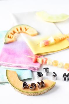 DIY a Healthy Place Card You Can Eat // fruit kabob place cards