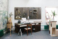 cubes en contreplaqué! Freunde von Freunden — Artem Letunov & Alexey Inshakov — Furniture Designers, Studio & Tour, Danilovsky, Moscow — http://www.freundevonfreunden.com/interviews/artem-letunov-alexey-inshakov/
