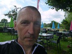 """#Philosophische #Praxis (07-2014, #Utrecht) zum Thema (16-17h im Garten des Restaurants """"Geesberge"""" u. 22-24 Uhr im Hotel NH Utrecht  mit 2 niederld. Stud.): #Demokratie, #Selbstbestimmung, #Separatismus, #Foederalismus, #Totalitarismus, #Terrorismus, #Voelkerrecht(e) oder #Machtpolitik u #Geopolitik anh d. #arab. #Fruehlings, d nahen Ostens, der #Ukraine ( #Maidan u. d. Folgen oder #Putins """"Leiden"""") sowie zahlreicher #europäischer #Staaten wie  #Bosnien, #Spanien, #Großbritannien, #Belgien… Gerhard, Leiden, Utrecht, Ukraine, Restaurants, Bosnia, Not Interested, Thoughts, Clock"""