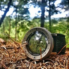 With a built-in compass altimeter and barometer the Guide by @vestalwatch is meant to live in the great outdoors. :@myassandadonut