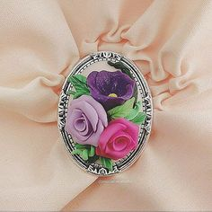🌹🌼💠 ° • ° • #jewellery #rose #bouquet #leaf #polymerclay #handmade #faux #flower #lace #pink #purple #lavander #green #bright #roses #flowers #polymer #clay #charm #pin #delicate #petals #sculpture #fimo #sculpey #cute #charming #brooch #leaves #jewelry Handmade Polymer Clay, Polymer Clay Jewelry, Sculpey, Biscuit, Polymer Clay Flowers, Small Rose, Silk Roses, Clay Beads, Faux Flowers