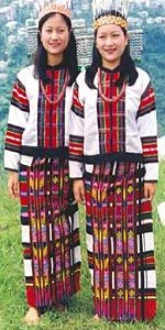 puan - the traditional garment of the state of Mizoram. The natives weave this magnificent colorful dress and believe that there is a story...