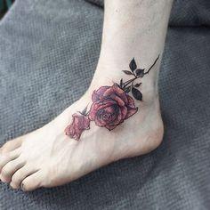 rossee .  #tattoo#tattoos#tattooing#tattoowork#flowertattoo#rosetattoo#flower#flowers#tattooed#armtattoo#타투#꽃타투#장미타투#컬러타투#타투이스트꽃#tattooistflower