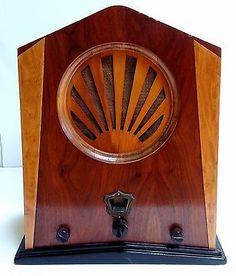 Jackson-Bell-1930-Model-62-Sunrise-Wood-Tombstone-Vacuum-Tube-Radio