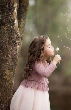 Beautiful & cute children and kids , Little Girl Photography, Toddler Photography, Cute Babies Photography, Children Photography Poses, Jolie Photo, Cute Baby Girl, Beautiful Children, Baby Pictures, Girl Photos