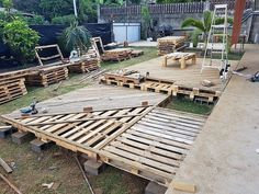 DIY Wooden Pallets Garden Deck Plan : Want to see your dream house in reality? There is no substitute of DIY wooden pallets garden deck ideas. Wooden garden deck plan boost up your level of… Pallet Patio Decks, Backyard Patio Designs, Diy Deck, Outdoor Pergola, Pallets Garden, Backyard Pergola, Pergola Lighting, Pergola Kits, Pergola Ideas