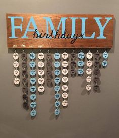 Family birthday board Family birthday board - Diy and crafts interests Diy Home Crafts, Diy Home Decor, Wood Crafts, Diy Wood, Wood Wood, Adult Crafts, Metal Crafts, Upcycled Crafts, Yarn Crafts