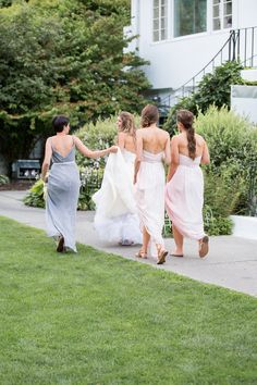 Photography: Kelsey Combe Photography - kelseycombe.com  Read More: http://www.stylemepretty.com/2015/01/12/summer-wedding-at-crabtrees-kittle-house-inn/