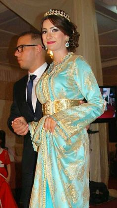 caftan Moroccan Bride, Moroccan Wedding, Moroccan Caftan, Moroccan Style, Wedding Hijab, Wedding Party Dresses, Arab Fashion, Womens Fashion, Work Attire