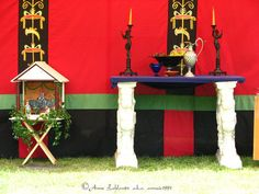 earth-paths-green:  Roman altar by ~annzie1991 The artist says this is an altar to the Lares - on the left, I think. :)