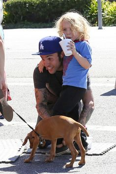 Pete Wentz, Bronx, and a dog Weight Loss Secrets, Best Weight Loss, Fall Out Boy, Young Blood, Pete Wentz, Panic! At The Disco, Good Fats, Falling Down, Weight Loss Program