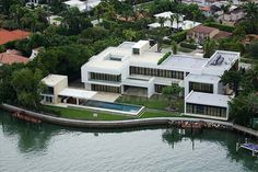 10 Unbelievable Houses Purchased by Pro Athletes. Beautiful Home Designs, Beautiful Homes, Rooftop Deck, Steam Room, Luxe Life, Mansions Homes, Estate Homes, Luxury Real Estate, Miami Beach