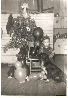 1950s Vintage Christmas Photos, Vintage Holiday, Holiday Photos, Christmas Pictures, Christmas Past, White Christmas, Sweet Memories, Old Photos, Happy Holidays