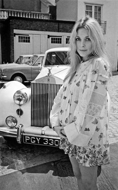 avalavinias: Sharon Tate photographed by Terry O'Neill in London, July 1969.
