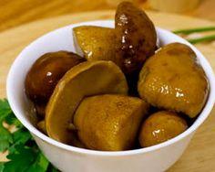 Тарелка соленых боровиков