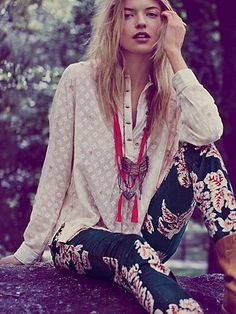 Flower pants+silky white shirt+bright necklace and booties